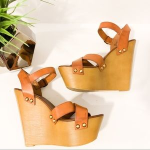 Steve Madden tan wedges with Gold studs size 9